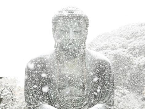 buddha-im-schnee
